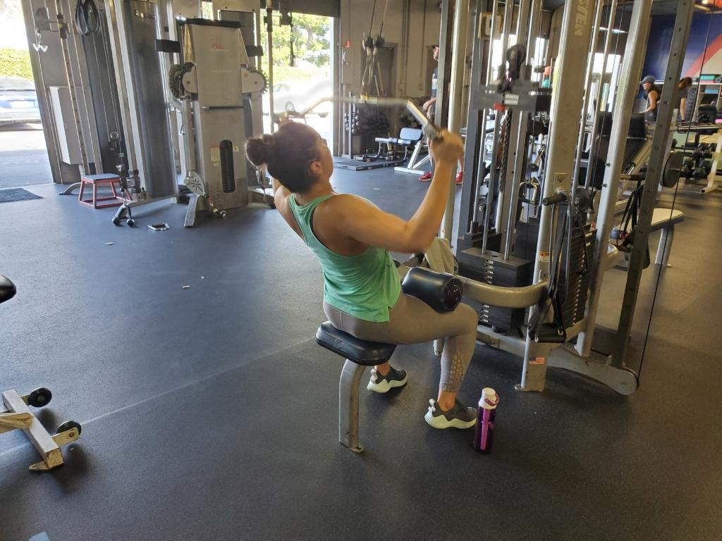 Personal Training - Pulldown exercise