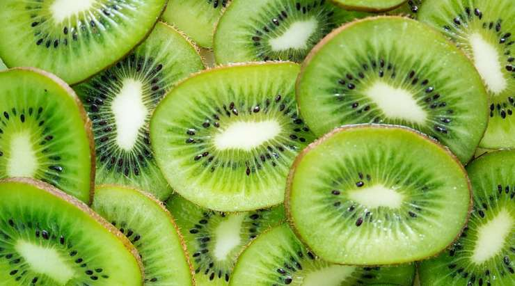 The Benefits of Eating Kiwi Fruits